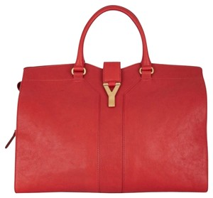 Saint Laurent Leather Chic Exclusive Tote in Red