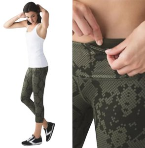 Lululemon New With Tags Lululemon Wunder Under Crop III, Size 4. Zigg Snake Pattern Fatigue Green