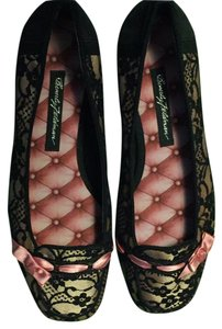 Beverly Feldman Black and pink Flats