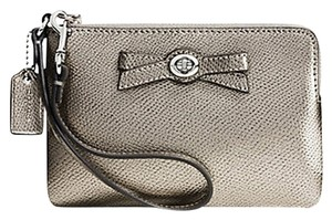 Coach Turnlock Zip Wristlet in Silver/Gun Metal