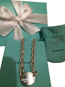 Tiffany & Co. Please Return to Tiffany &Co. Sterling Silver Oval Tag Choker Necklace 15