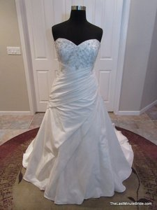 Allure Bridals W303 Wedding Dress