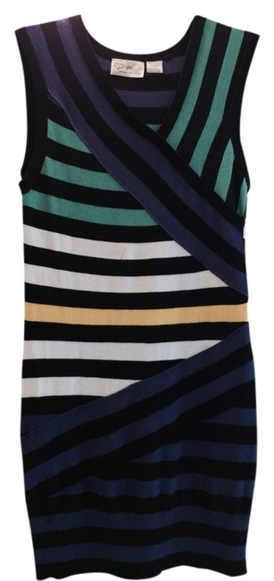 Preload https://item3.tradesy.com/images/rd-style-multicolor-short-casual-dress-size-8-m-1119022-0-0.jpg?width=400&height=650