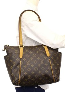 Louis Vuitton Prada Celine Burberry Balmain Ysl Shoulder Bag