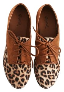 Qupid Loafers Oxfords Cheetah Print Faux Suede Rust, Leopard Flats