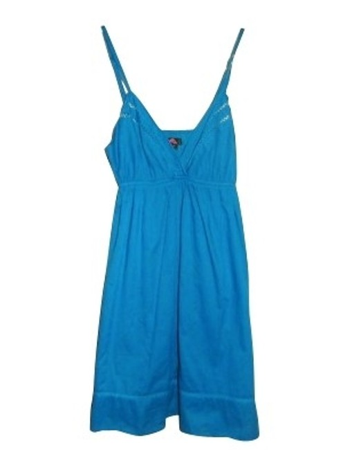 Preload https://img-static.tradesy.com/item/112/forever-21-blue-knee-length-short-casual-dress-size-6-s-0-0-650-650.jpg