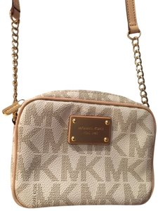 Michael Kors Chains Cross Body Bag