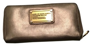 Marc by Marc Jacobs Classic Q Vertical Zippy Wallet