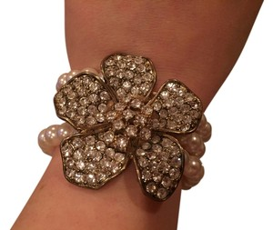 David's Bridal Large Faux Diamonds Flower Bracelet Pearl Stretch