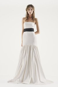 Vera Wang Vw351252 Wedding Dress