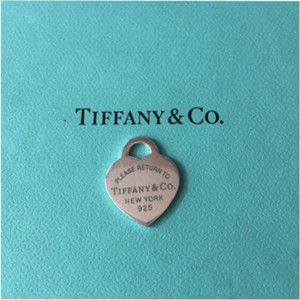 Tiffany & Co. Return To Tiffany Silver Small Blue Enamel Letter Heart Charm