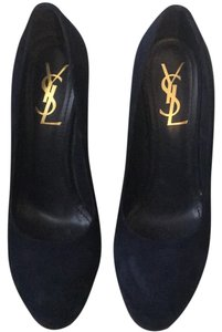 Saint Laurent Navy Pumps