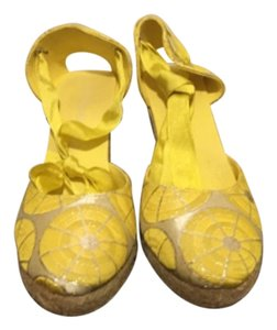 Kotur Yellow/ Metallic Wedges