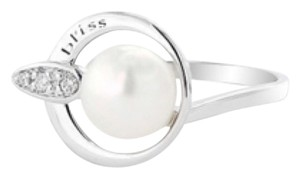 Bliss Nwt Bliss Ring Pearl