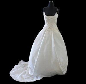 Vera Wang Vera Wang Custom Made Couture Original With Veil Wedding Dress
