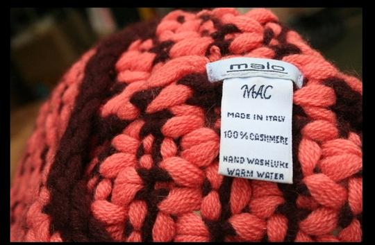 Malo Authentic MALO 100% cashmere 2-tone hat, Size X small, in mint condition will fit 10-12 year old girl