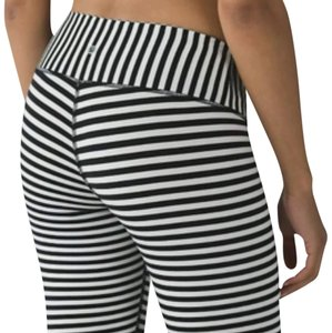 Lululemon New With Tags Lululemon Wunder Under Pants angel Wing Bold Stripe Size 4