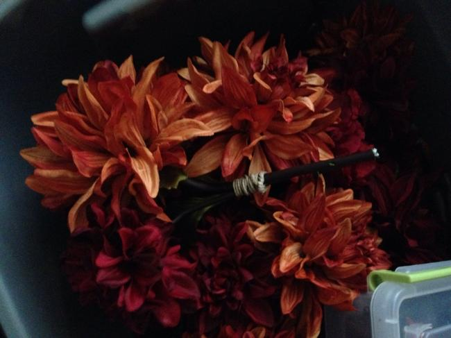 Item - Orange Red Yellow Fall Tons Of Artificial Flowers Other
