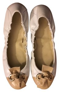 Stuart Weitzman Leather White & Tan Flats