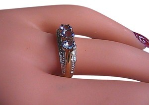 India Jewelry Gorgeous 10k Solid Yellow & White Gold .75 carats Tanzanite and Diamond Ring