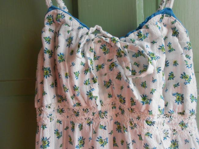 Decree Fitted Gathered Empire Waist Floral Printed Top White