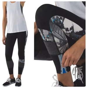 Lululemon Euc Lululemon Run The World Tights Cyber Stripe Size 6