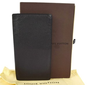 Louis Vuitton Authentic LOUIS VUITTON Long Bifold Wallet Purse Taiga Leather Black France Vintage M30392 Men