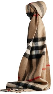 Burberry (NEW W/TAG) 100% cashmere camel beige colored giant check wrap muffler