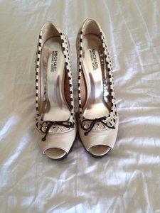 Michael Kors Cream And Dark Brown Pumps