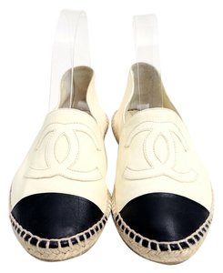 Chanel Espadrille Leather White/Black Flats