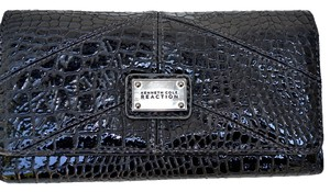 Kenneth Cole Kenneth Cole Reaction Mercer-Flap Clutch Wallet,Black