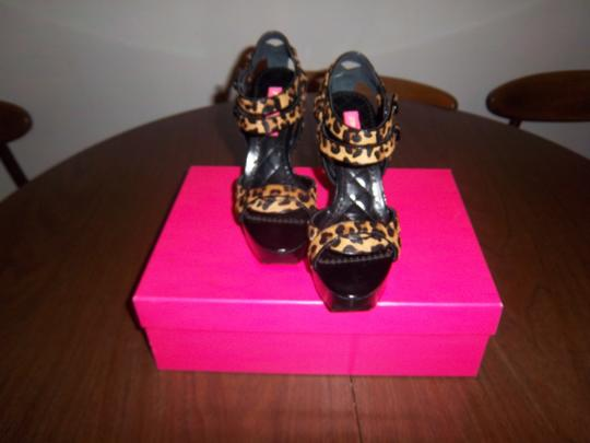 Betsey Johnson Pony hair leopard print Platforms