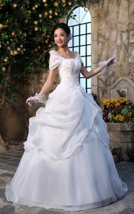 Princess Style Ballgown White Long Off-shoulder Veils Gloves Wedding Dress