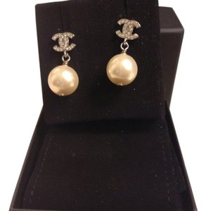 Chanel Chanel Pearl Drop Earrings