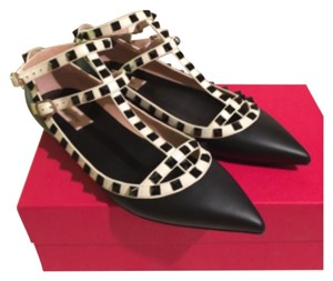 Valentino Black and white Flats
