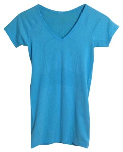 Lululemon T Shirt Light Blue