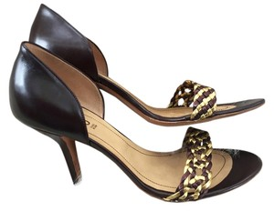 Hugo Boss brown and gold Pumps