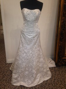 Mori Lee 2502 Formal Wedding Dress Size 10 (M)