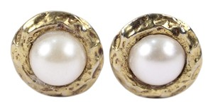 Chanel Chanel Round Gold Tone Faux Pearl Clip On Earrings CCAV351