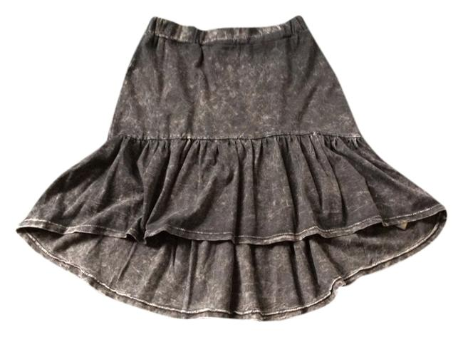Preload https://item2.tradesy.com/images/sparkle-and-fade-black-knee-length-skirt-size-0-xs-25-1128886-0-0.jpg?width=400&height=650
