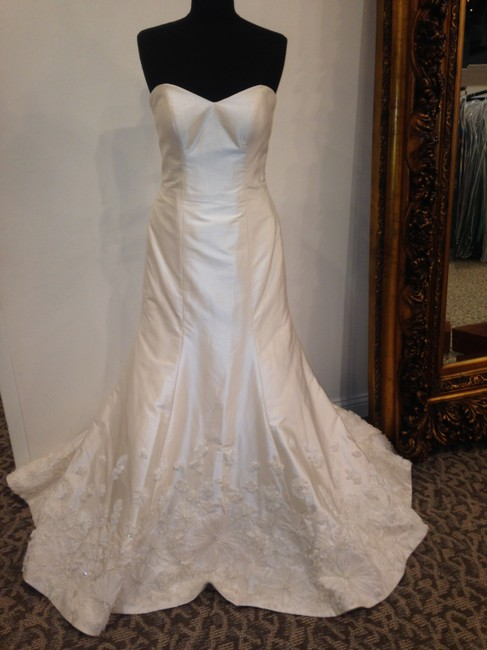 Martina Liana Ivory St372 Formal Wedding Dress Size 12 (L) Martina Liana Ivory St372 Formal Wedding Dress Size 12 (L) Image 1