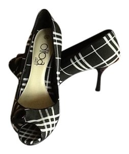 Diba East Black /white plaid Pumps