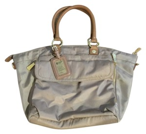 George Gina & Lucy Satchel in Beige