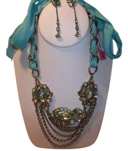 Betsey Johnson Betsey Johnson Iconic Mint Ribbon Swag Necklace AND Linear Earring Set NWOT/D $113