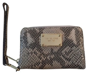 Michael Kors Michael,Kors,Snakeskin,Embossed,Zip,Around,Compact,Wallet