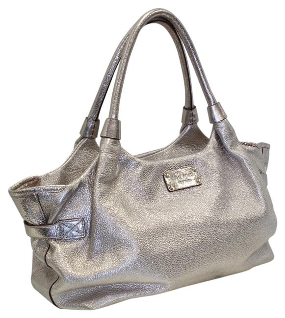 Item - New York Southport Ave 'stevie' Montpelier Hand White Gold Silver Leather Shoulder Bag