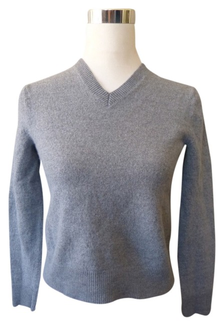 Preload https://img-static.tradesy.com/item/1129692/banana-republic-gray-extra-fine-italian-merino-medium-sweaterpullover-size-8-m-0-0-650-650.jpg