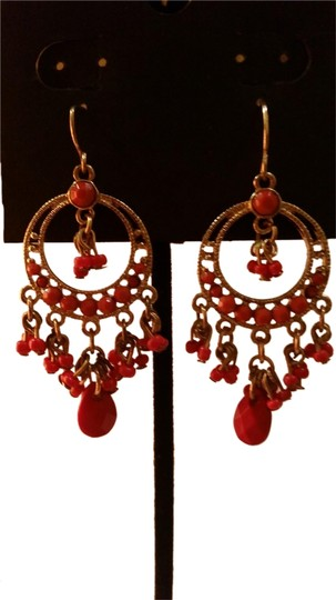 Preload https://item1.tradesy.com/images/other-gold-and-coral-earrings-1130305-0-0.jpg?width=440&height=440