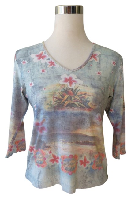 One World V-neck Scalloped Cuff 3/4 Sleeve Top
