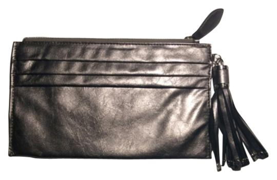 Preload https://img-static.tradesy.com/item/11306254/expressions-nyc-metallic-faux-leather-not-sure-clutch-0-1-540-540.jpg